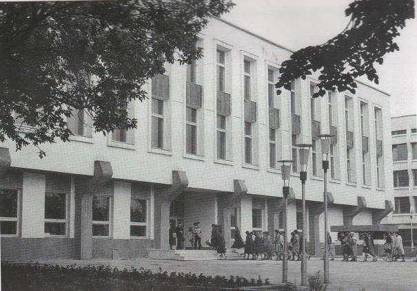 Dvorec_knigi7